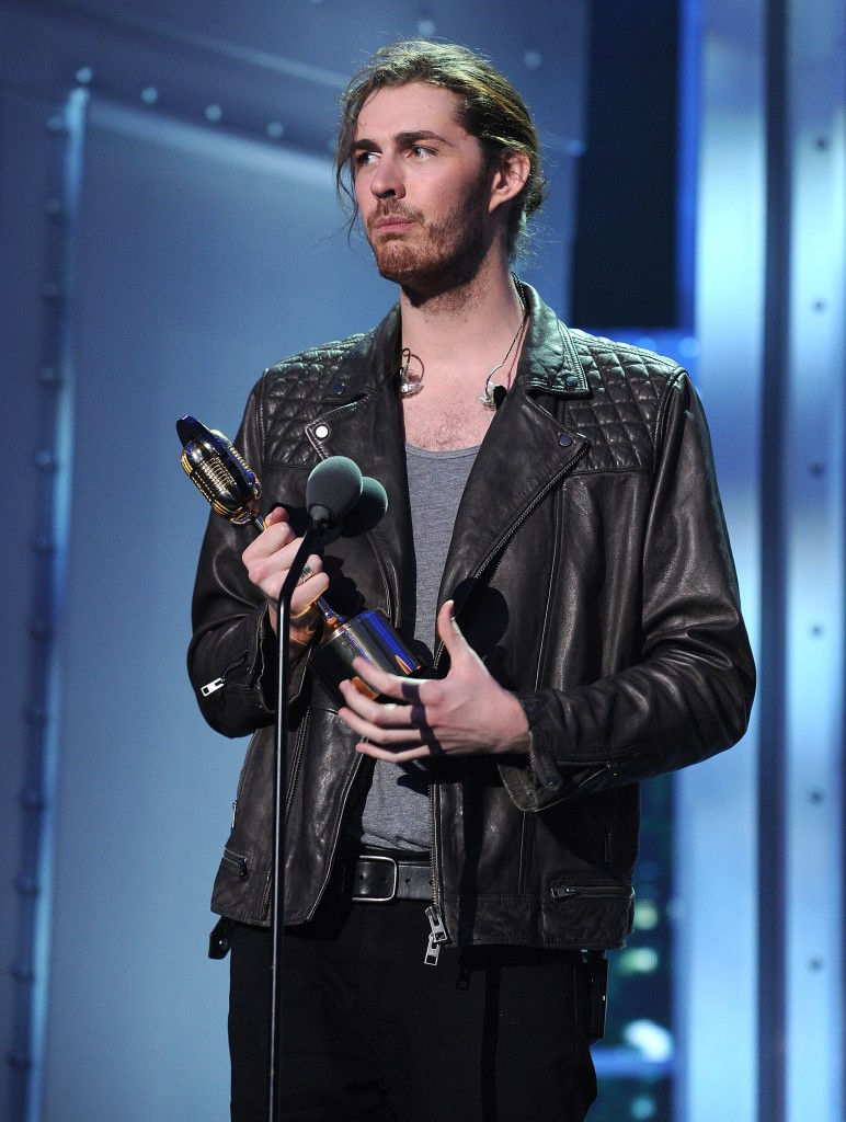 NEW YORK - NOVEMBER 12: Hozier accepts the Artist of the Year Award on the 'VH1 Big Music in 2015: You Oughta Know' show at the Armory Foundation on November 12, 2015 in New York City. (Photo by Frank Micelotta/PictureGroup)